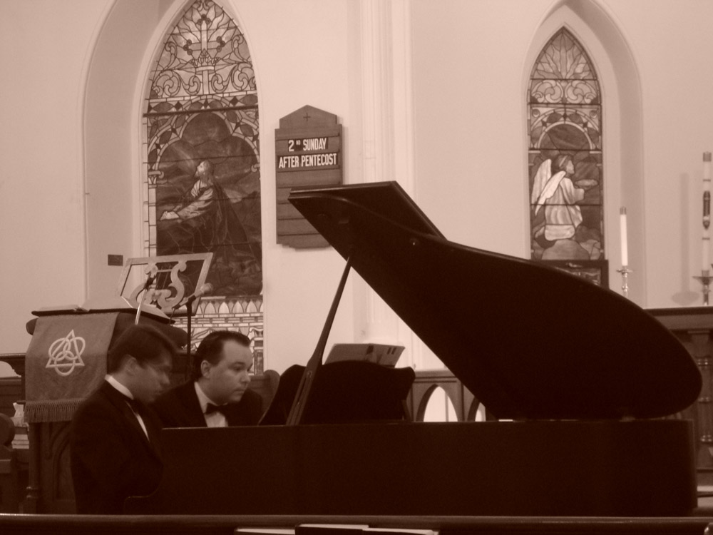 Victor and João Paulo Casarotti rehearsing for a concert of Mahle's music in Philadelphia